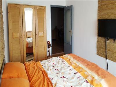Apartament 2 camere decomandat etaj 3 zona Izlazului
