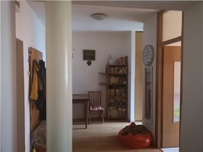 Apartament cu 1 camera in cartierul Gruia, etajul intermediar !