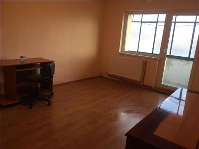 Apartament cu 2 camere decomandate in cartierul Intre Lacuri !