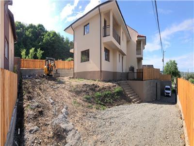 Duplex de vanzare in Floresti cu teren de 400 mp in zona Parcului Poligon !