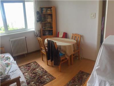 Apartament 2 camere decomandat zona Casa Radio
