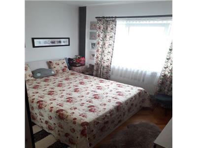 Apartament cu 2 camere in Zorilor, garaj de beton, etaj intermediar !