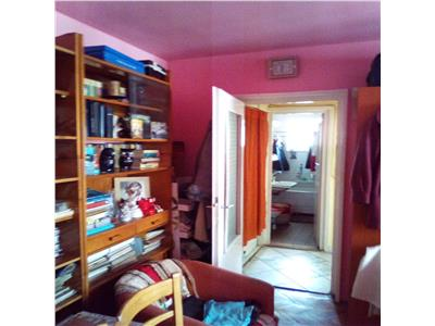Apartament 2 camere zona Piata Flora