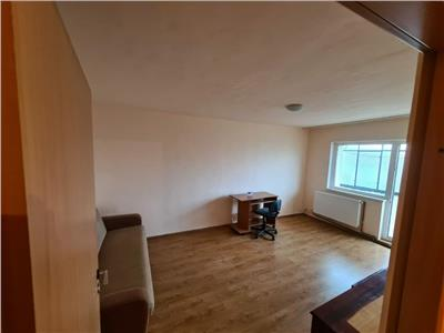 Apartament 2 camere decomandate, cartier Intre Lacuri