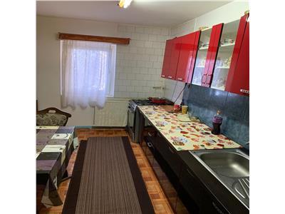Apartament cu 4 camere in Manastur, etaj 3, zona Kaufland !