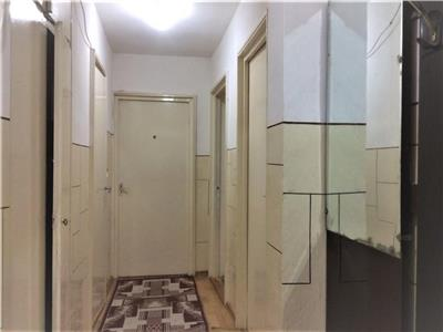 Apartament 2 camere decomandat etaj 1 zona strazii Mehedinti