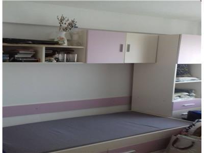 Apartament cu 3 camere zona Politia Rutiera
