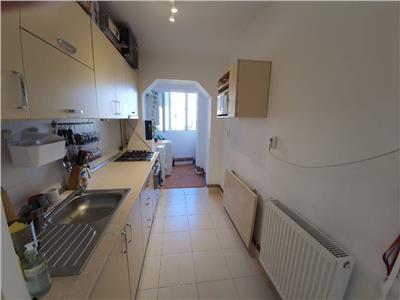 Apartament 2 camere decomandat etaj 6/10 zona Scoala Liviu Rebreanu
