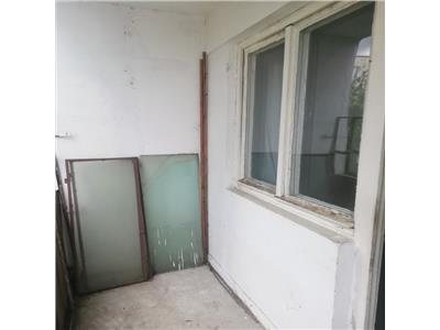 Apartament 2 camere etaj intermediar