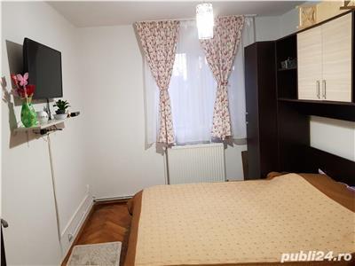 Apartament 3 camere decomandat etaj 2 zona strazii Agronomilor