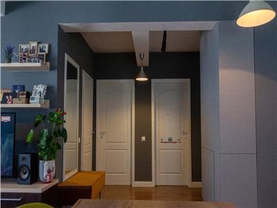 Apartament 3 camere etaj int. zona Andrei Muresanu S cu Parcare