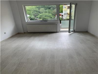 Apartament cu 2 camere renovat total in Grigorescu, etaj 2 !