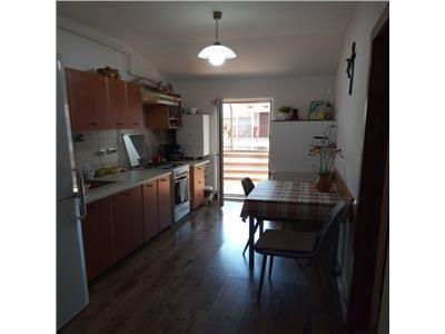 Apartament 2 camere, 2 terase, suprafata generoasa cu loc de parcare in Floresti