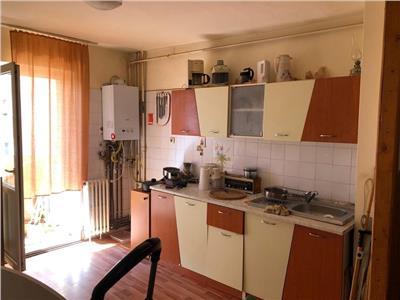 Apartament 2 camere decomandat etaj intermediar zona Pritax Manastur