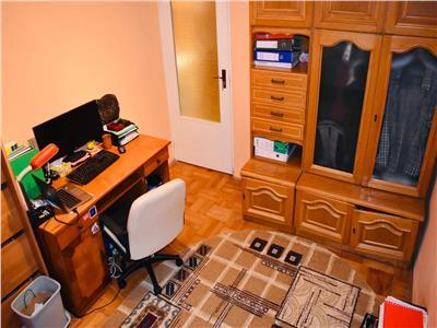 Apartament cu 3 camere in Zorilor la 10 minute de UMF!