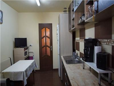 Apartament 3 camere decomandat cu garaj zona Kaufland Manastur