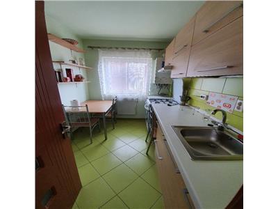 Apartament cu 2 camere decomandat mobilat si utilat zona centrala in Floresti