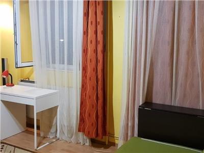 Apartament 2 camere decomandat etaj 3 zona Plopilor Manastur