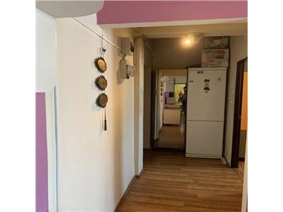 Apartament cu 3 camere pe Horea, zona semicentrala