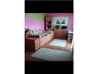 Apartament 2 camere decomandat etaj int zona Ion Mester Manastur