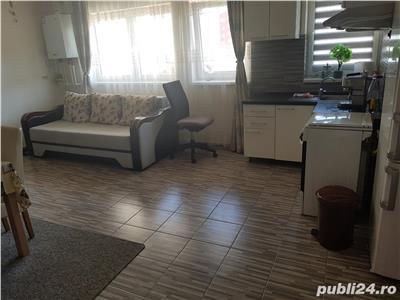 Apartament 2 camere finisat frumos zona centrala in Floresti