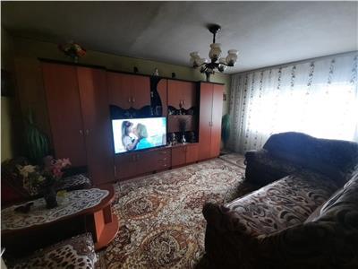 Apartament cu 3 camere decomandat in Gheorgheni, zona Titulescu