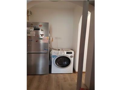 Apartament 3 camere decomandat etaj int zona Toskana Manastur