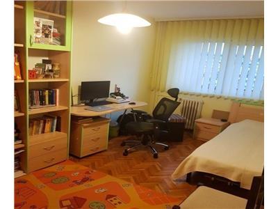 Apartament 3 camere decomandat etaj int zona USAMV Gradini Manastur