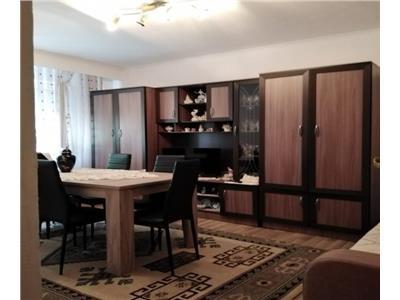 Apartament cu 3 camere in Marasti, etaj 1, zona benzinariei Mol !