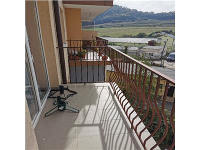 Apartament de vanzare cu 3 camere in Floresti