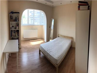 Apartament 3 camere decomandat zona Plopilor Noi