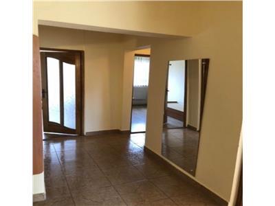 Apartament cu 3 camere la etajul 2 in Marasti, zona Teodor Mihali !