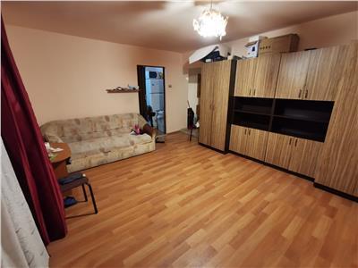 Apartament 1 camere confort marit zona centrala in Floresti