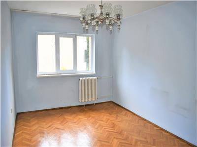 Apartament cu 3 camere la etajul 2 in Manastur, in zona Platinia, USAMV !