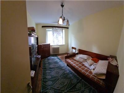 Apartament cu 3 camere in Manastur, in zona Grigore Alexandrescu !