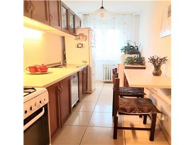 Apartament cu 3 camere in Manastur, etaj intermediar, zona USAMV !