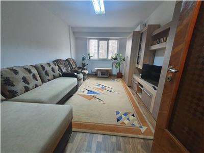 Apartament 2 camere decomandat cu parcare langa Iulius Mall