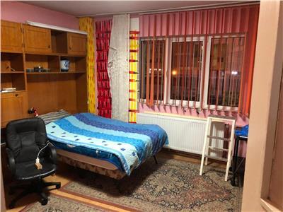 Apartament 2 camere decomandat etaj 1 zona Engels Manstur