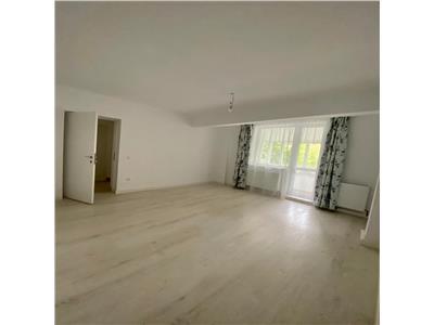 Apartament 3 camere decomandat etaj 1 zona Ambulanta Horea
