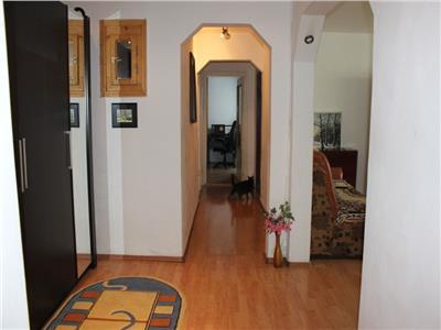 Apartament 3 camere decomandat etaj 2 zona Campului Manastur
