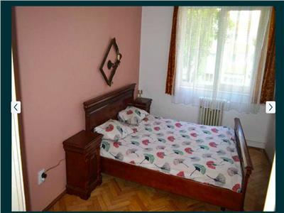 Apartament 3 camere decomandat etaj 1 Sala Sporturilor Plopilor