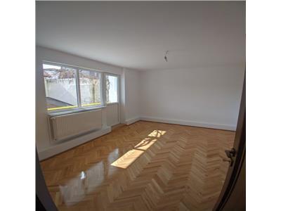 Apartament cu 3 camere decomandate, recent renovat, Gheorgheni, zona Diana!