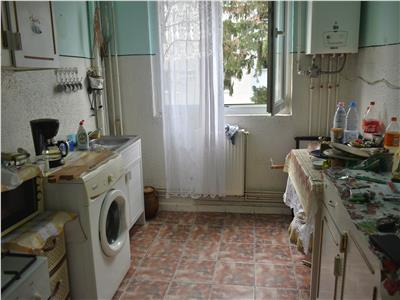 Apartament cu 4 camere in Manastur, etaj 2 in zona Banca Transilvania !