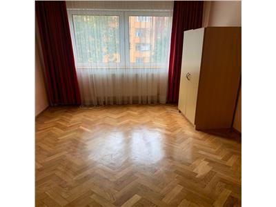 Apartament cu 4 camere la pret de 3 camere in Manastur, etaj 3/4 !