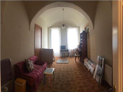 Apartament la casa cu scara interioara in Centru zona Motilor Clinicilor