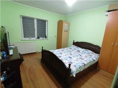Apartament 3 camere decomandat cu garaj, zona Titulescu Gheorgheni!