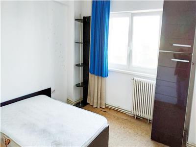 Apartament 4 camere decomandat etaj 3 zona Penny Billa Manastur