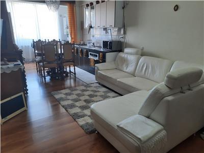 Apartament 3 camere, etaj intermediar in Floresti!