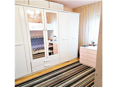 Apartament 2 camere decomandat zona Engels Manastur