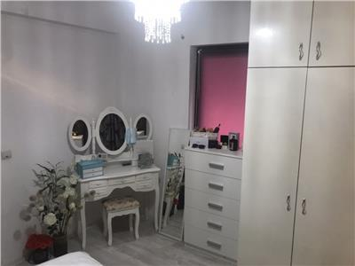 Apartament 3 camere mobilat si utilat, zona strazii Sub Cetate Floresti!